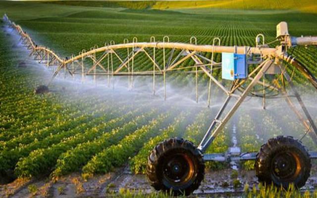 عمليات ري الأراضي الزراعية في تونس