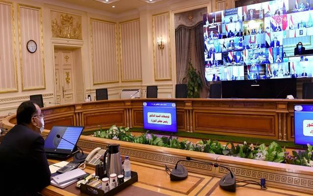 خلال ترأس رئيس مجلس الوزراء اجتماع مجلس المحافظين