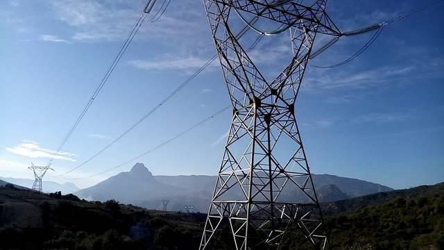 أبراج الربط الكهربائي - أرشيفية