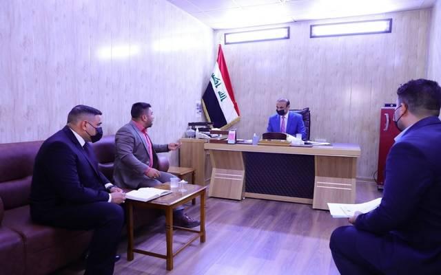وزير العمل العراقي يشدد على استرداد المبالغ من مزدوجي الرواتب