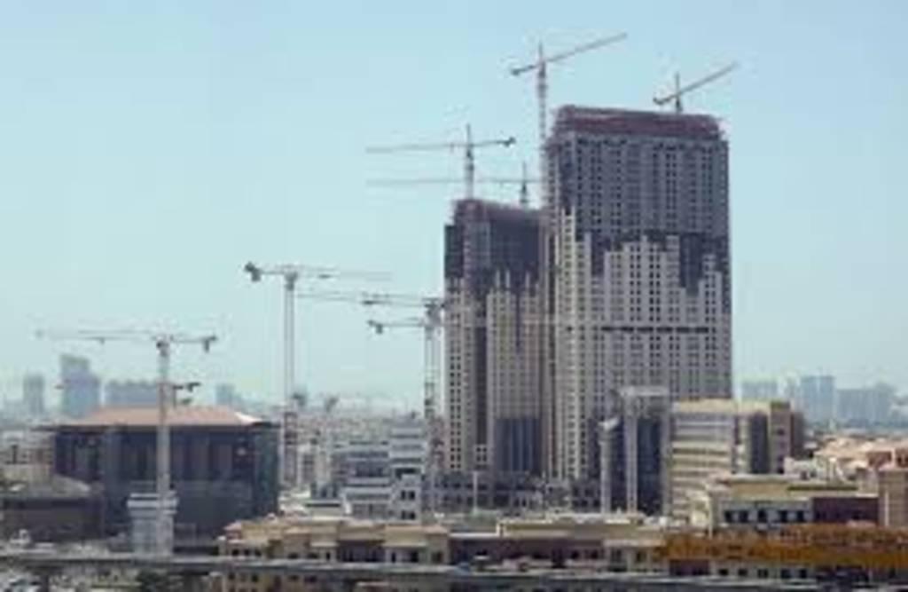 """""""مصارف الإمارات"""" يبحث تخفيف قواعد الإقراض العقاري"""