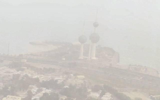 تحويل مسار الطائرات القادمة إلى الكويت إلى مملكة البحرين والسعودية.