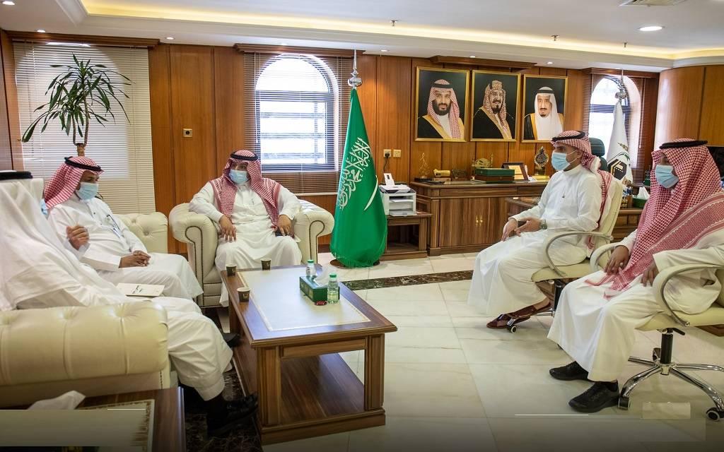 رئاسة شؤون الحرمين تناقش إدراج المتعاقدين في نظام التأمينات الاجتماعية