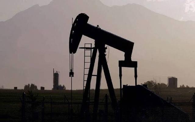 محدث.. النفط يقفز 6% عند التسوية لأول مرة بـ3 جلسات