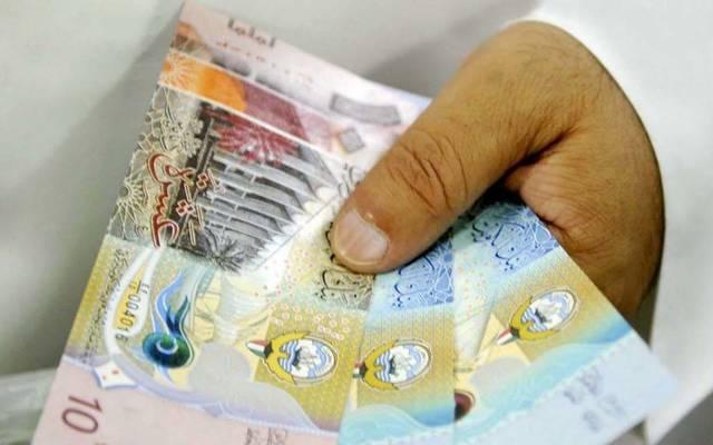 الدينار الكويتي يرتفع أمام 3 عملات أجنبية
