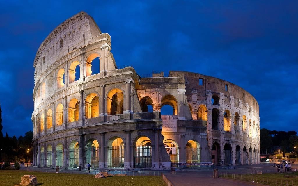إيطاليا تدرس فرض ضرائب على السحب النقدي لمواجهة التهرب الضريبي
