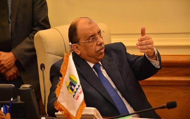 وزيرة التنمية المحلية يتلقى تقريرا عن متابعة تطبيق قرارات الحد من انتشار فيروس كورونا في مصر