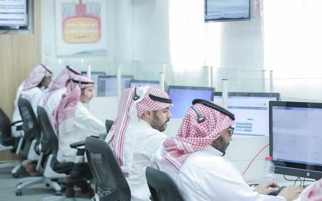 موظفون سعوديون العاملين بإحدى الشركات في المملكة- أرشيفية