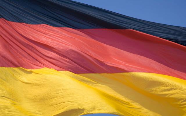 إيفو يخفض توقعات نمو اقتصاد ألمانيا وسط تحذيرات الركود