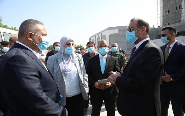 وزير التخطيط خلال زيارته التفقدية لمشروع مبنى الجهاز المركزي للإحصاء