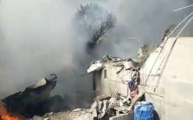 تحطم طائرة باكستانية تحمل 107 أشخاص