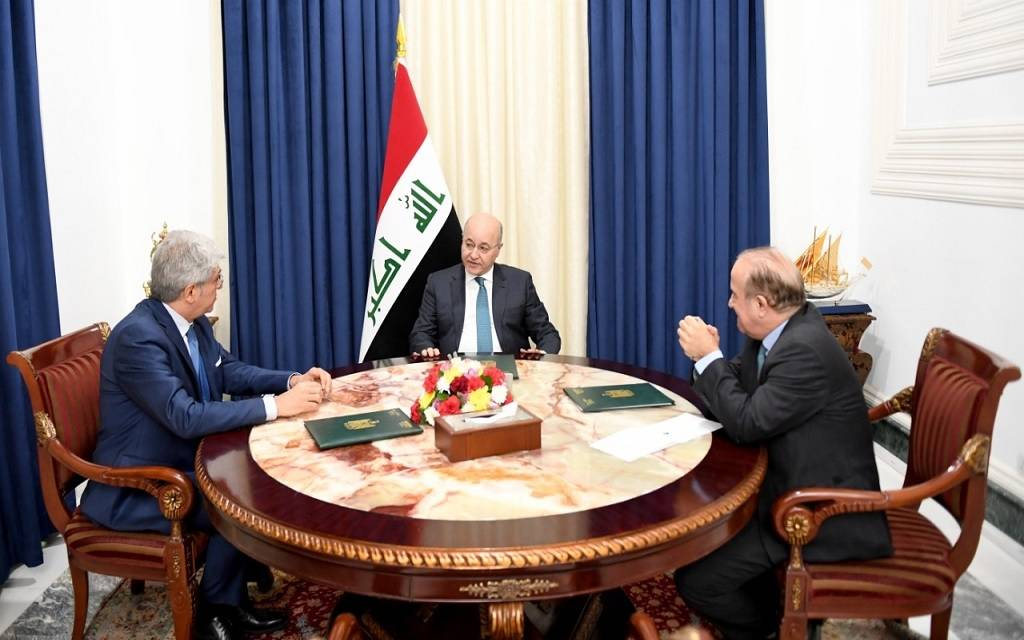The Iraqi president discusses developing bilateral relations with the French ambassador 1024