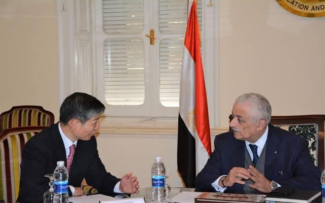 التعليم المصرية تبحث التعاون مع الصين لإنشاء فصول متنقلة