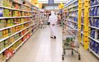 أحد محال بيع السلع الغذائئة بدولة الإمارات