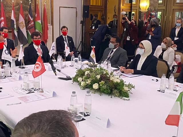 هالة زايد، في الجلسة النقاشية المنعقدة على هامش منتدى تعزيز التعاون بمجال الرعاية الصحية بدولة إيطاليا