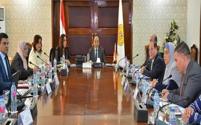 خلال اجتماع عقده وزير التنمية المحلية محمود شعراوي