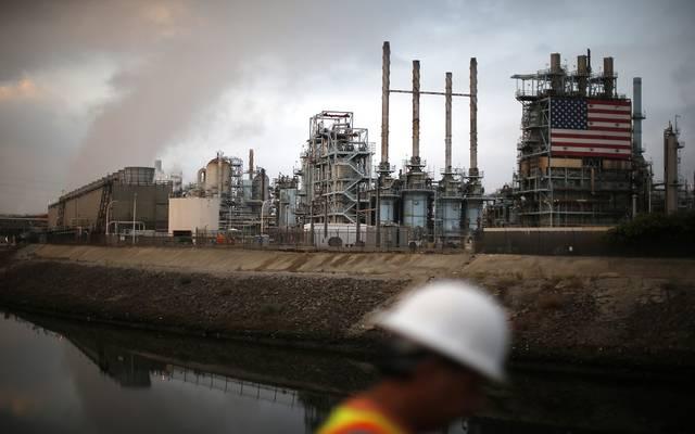إنتاج النفط الأمريكي يواصل الصعود أعلى 10 ملايين برميل يومياً