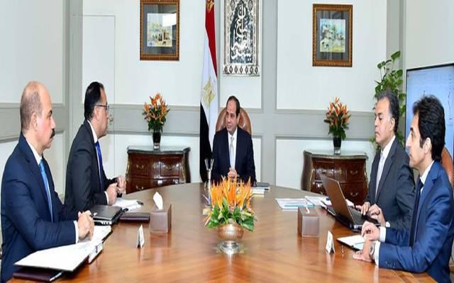 الرئيس السيسي خلال الاجتماع مع عدد من رئيس الحكومة وعدد من الوزراء