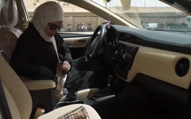 من المقرر رفع الحظر عن قيادة المرأة السيارات يوم الأحد 24 يونيو الجاري