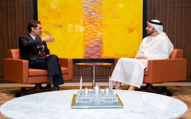 الشيخ عبدالله بن زايد خلال لقاء مدير أيرينا الجديد