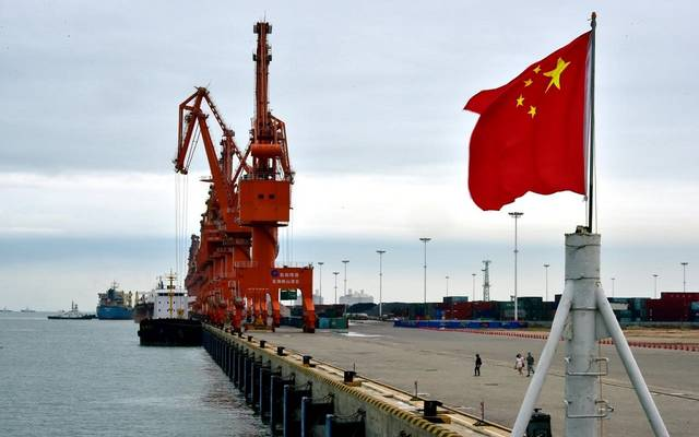 صادرات الصين تواصل الهبوط للشهر الثالث لكن بأقل من المتوقع