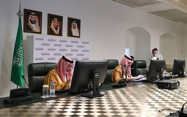 وزير الخارجية السعودي، الأمير فيصل بن فرحان، خلال ترؤسه الاجتماع الثامن لأصدقاء السودان في الرياض عبر الاتصال المرئي