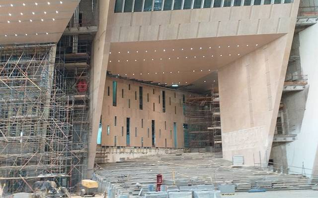 جانب من الأعمال اإنشائية بالمتحف المصري الكبير