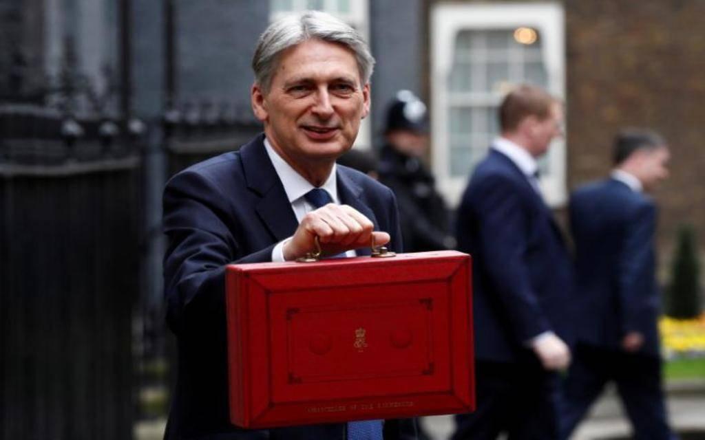 """وزير مالية بريطانيا يتعهد بتوفير 3 مليارات إسترليني لاستعدادات الـ""""بريكست"""""""