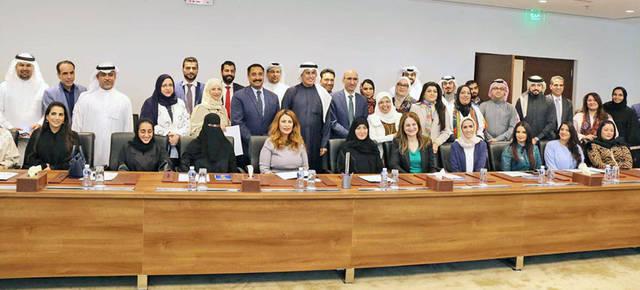 زايد الزيانى - وزير الصناعة والتجارة والسياحة البحريني