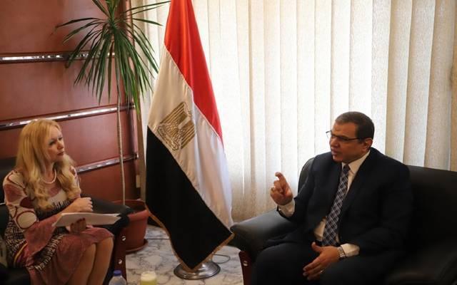 جانب من لقاء وزير القوى العاملة المصري محمد سعفان، مع سفيتلانا سوبوفا القائمة بأعمال سفارة روسيا الاتحادية في مصر