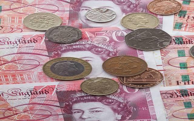 الإسترليني يرتفع أعلى 1.30 دولار بعد استقالة وزير المالية البريطاني