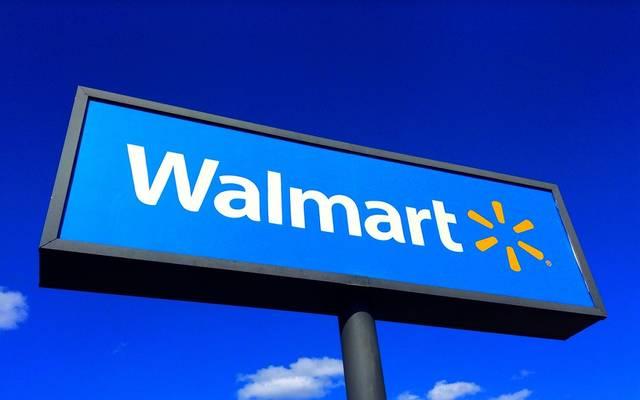 """إيرادات """"وول مارت"""" تهزم التوقعات مع قفزة 97% بالمبيعات الإلكترونية"""