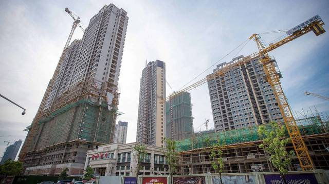 China's fixed-asset investment retreats slightly in 9M to September