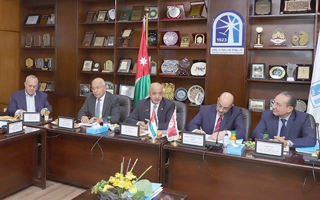 خلال لقاء غرفة تجارة عمَّان بوفد اقتصادي تونسي