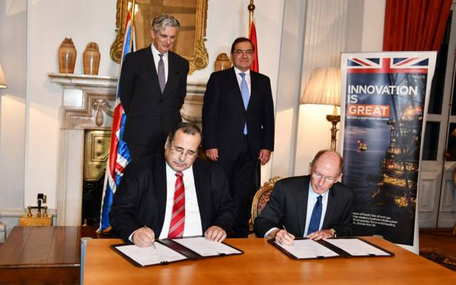 خلال توقيع اتفاقية التعاون بين انبي المصرية وشركة وود البريطانية