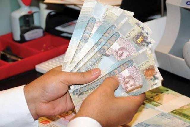 مع تداعيات كورونا.. البحرين توقف رسوم العمل لمدة 3 أشهر
