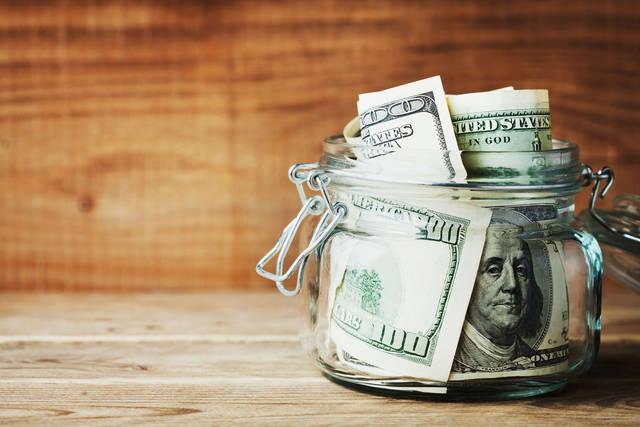 """هل المستثمرون على استعداد لـ""""يوم الحساب"""" للدولار الأمريكي؟"""