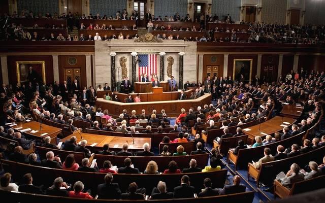 الشيوخ الأمريكي يصوت لصالح تقييد استخدام القوة العسكرية ضد إيران