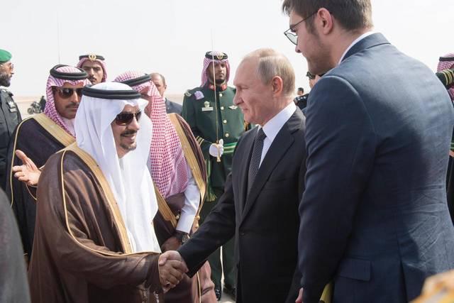 جانب من وصول الرئيس الروسي فلاديمير بوتين إلى المملكة العربية السعودية