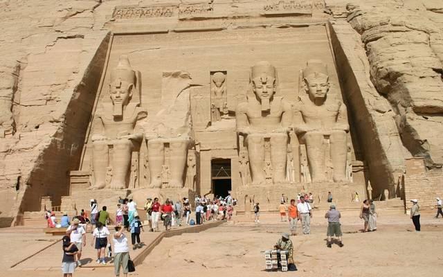 مصر تسعى للتعاقد مع إحدى أذرع إعلام المصريين للترويج السياحي