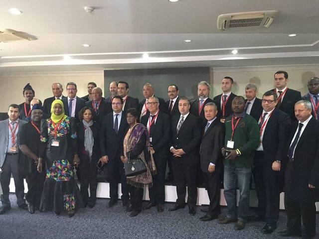 الوفد الفلسطيني المشارك في فعاليات المؤتمر - تونس (الصورة من الوكالة الفلسطينية)