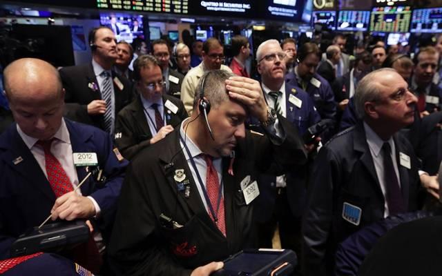 """الأسهم الأمريكية تتراجع بالختام.. و""""داو جونز"""" يفقد 550 نقطة"""
