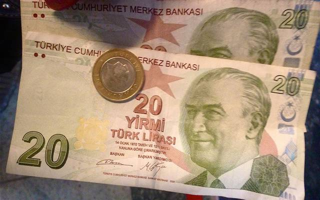 الليرة التركية تتعافى عند أعلى مستوى بأسبوعين
