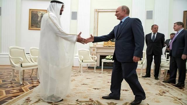الرئيس الروسي يصل إلى الإمارات في زيارة رسمية