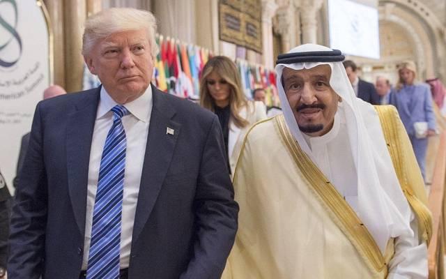الملك سلمان بن عبد العزيز والرئيس الأمريكي دونالد ترامب - صورة أرشيفية
