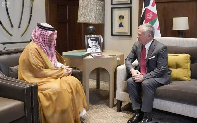 وزير الدولة السعودي يسلم ملك الأردن رسالة العاهل السعودي