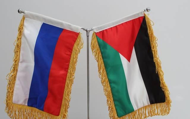 علم فلسطين وروسيا