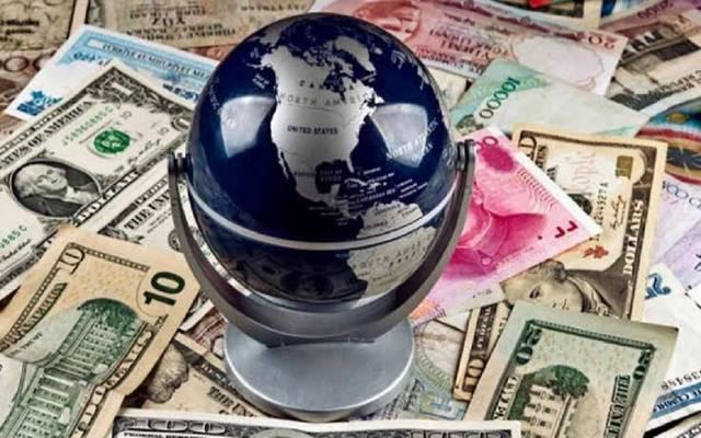 خسائر الدولار الأمريكي تسيطر على الأسواق العالمية اليوم