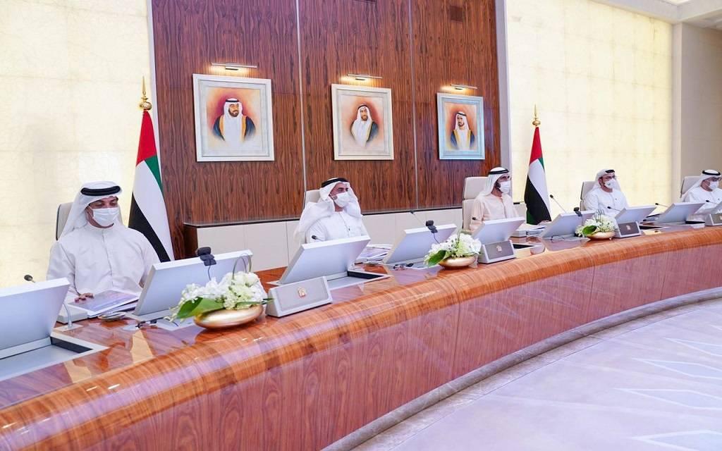 محمد بن راشد: سياسة جديدة لتنمية الصادرات.. وتعديلات ضريبية لتخفيف العبء