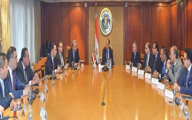 خلال اجتماع الوزير بأعضاء جهاز التمثيل الجاري